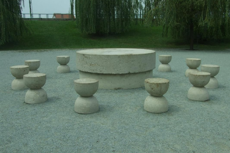 Constantine Brancusi. The table of silence.