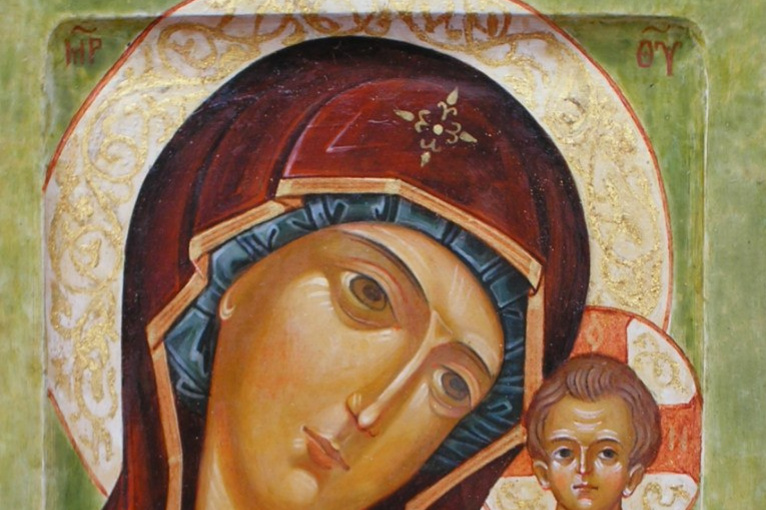 Светлана Фатьянова. Ready icon on a blackboard with gold Kazan Mother of God