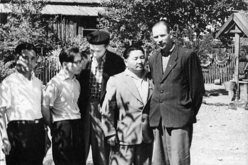 Nadezhda Nikolaevna Rusheva. Right to left: I. Y. Kuznetsov,C. K., Lanza,N. To. Rochev, Y. S. Consegues