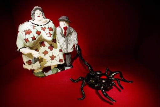 Ники де Сен Фалль. Пара выгуливает паука