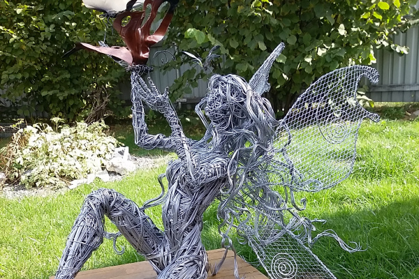 "Evgenia Mikhailovna Lesovskikh. Wire sculpture ""Adele"""