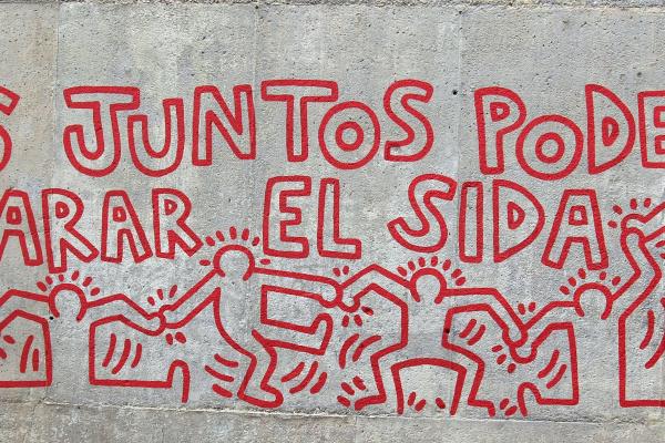 """Кит Харинг. """"Вместе мы можем остановить СПИД"""". Мурал музея современного искусства в Барселоне"""