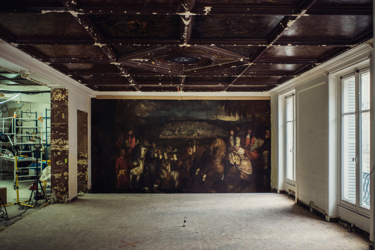 Сокровище за стеной обнаружили строители бутика Oscar de la Renta в Париже