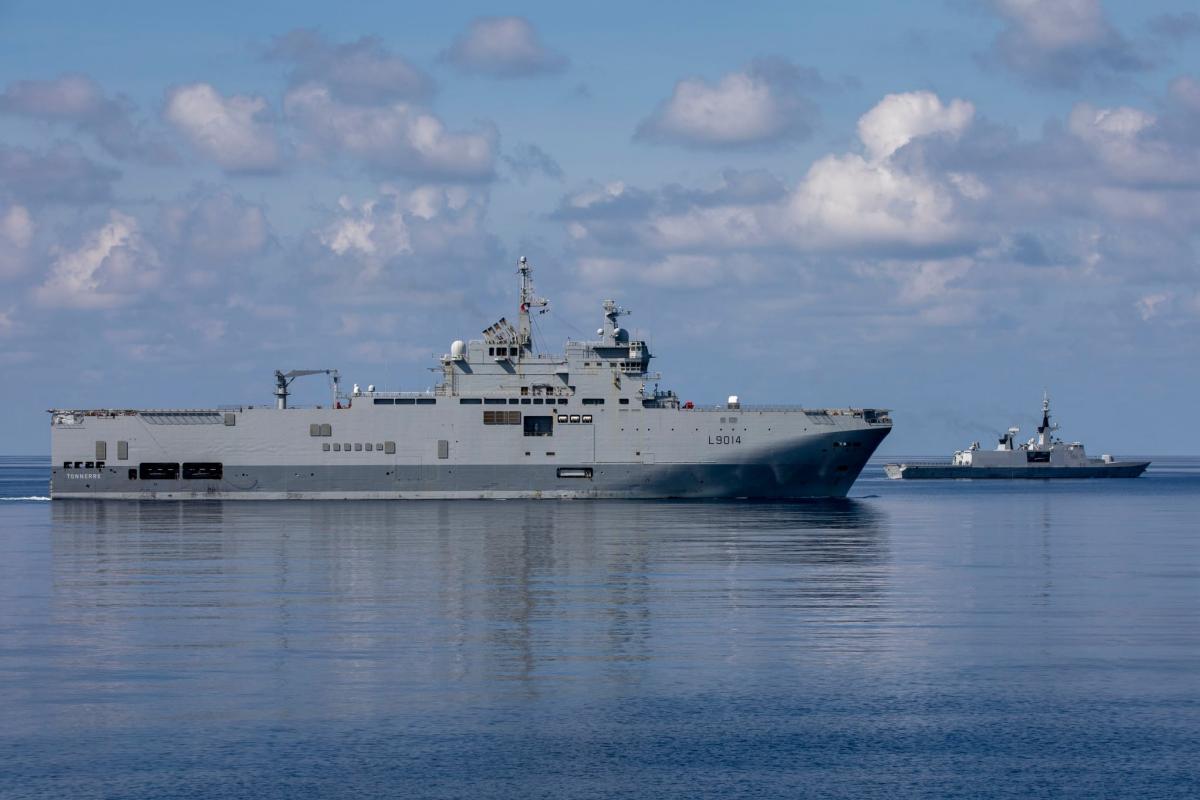 Linh Khanh. The big ship