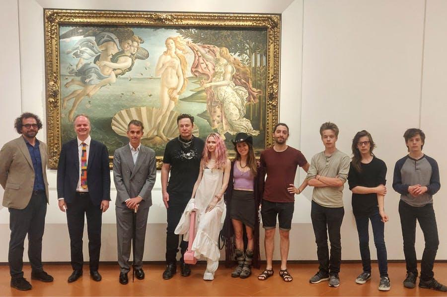 Илон Маск посетил галерею Уффици. Какие шедевры его привлекли?