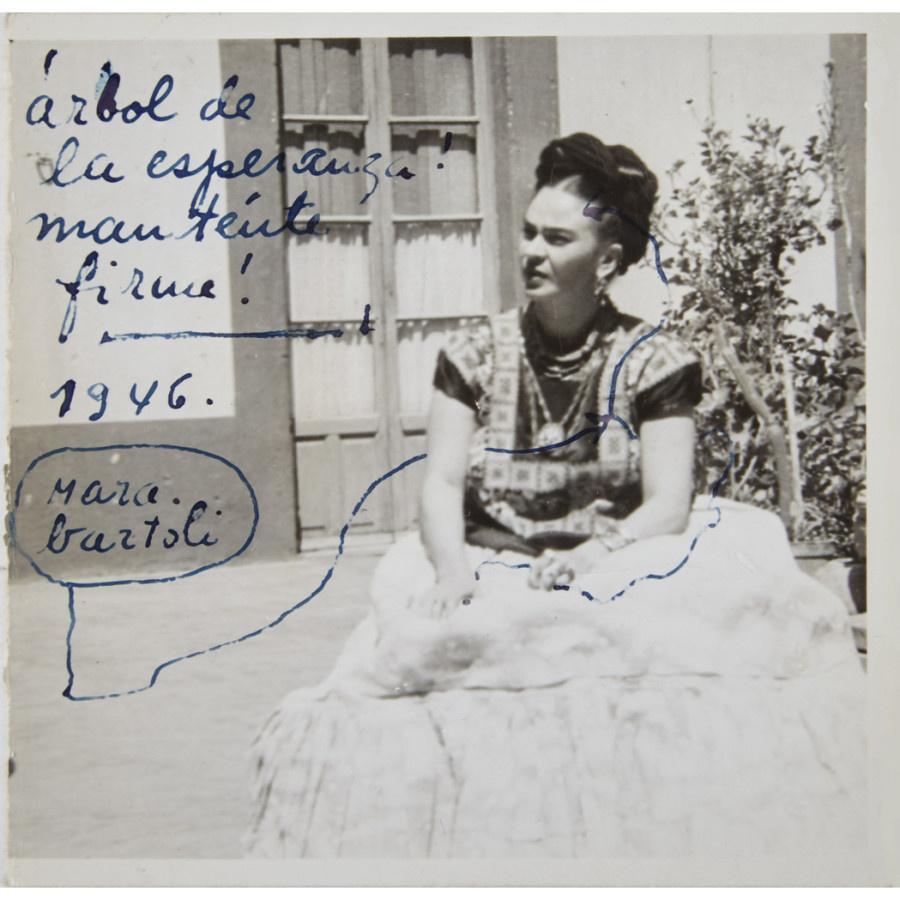 «Я к Вам пишу…» - любовные послания Фриды Кало ушли с молотка за $137 000