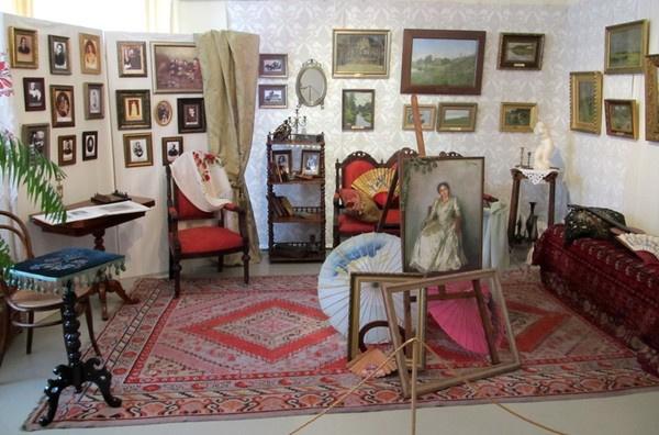 Интерьер дома-музея Левитана в Плёсе.