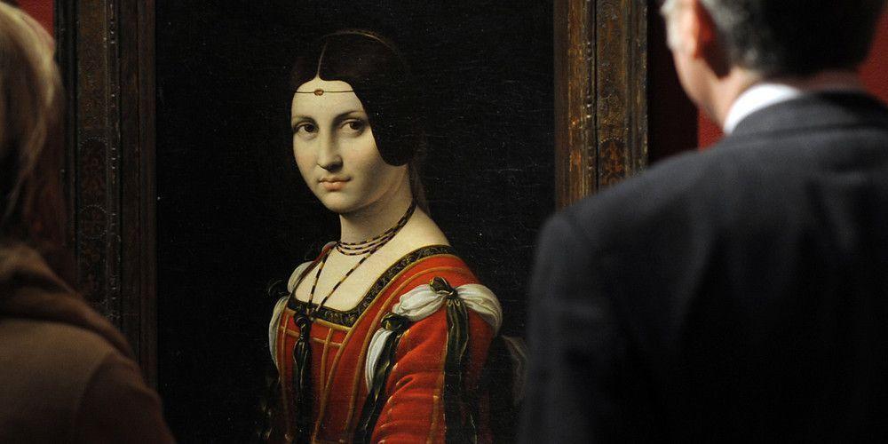 «Прекрасная ферроньера»: муза Леонардо отправилась в длительный тур, сохраняя инкогнито