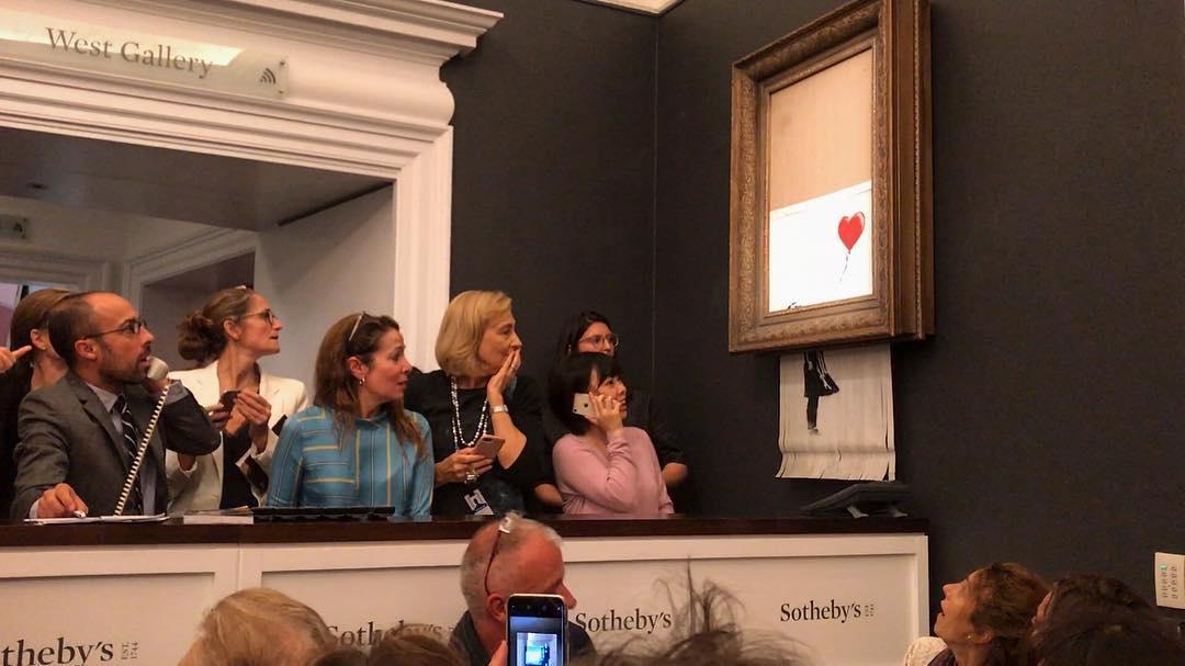 Картина Бэнкси самоуничтожилась с последним ударом молотка на аукционе