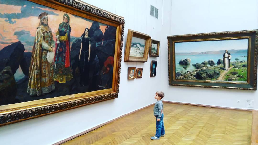 Дети в музее. Как взрослому выжить и даже получить удовольствие?