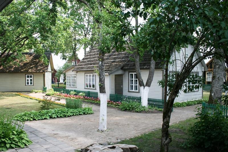 Мемориальный дом-музей им.М. К. Чюрлениса (Друскининкай): сохранилась семейная фисгармония, пианино