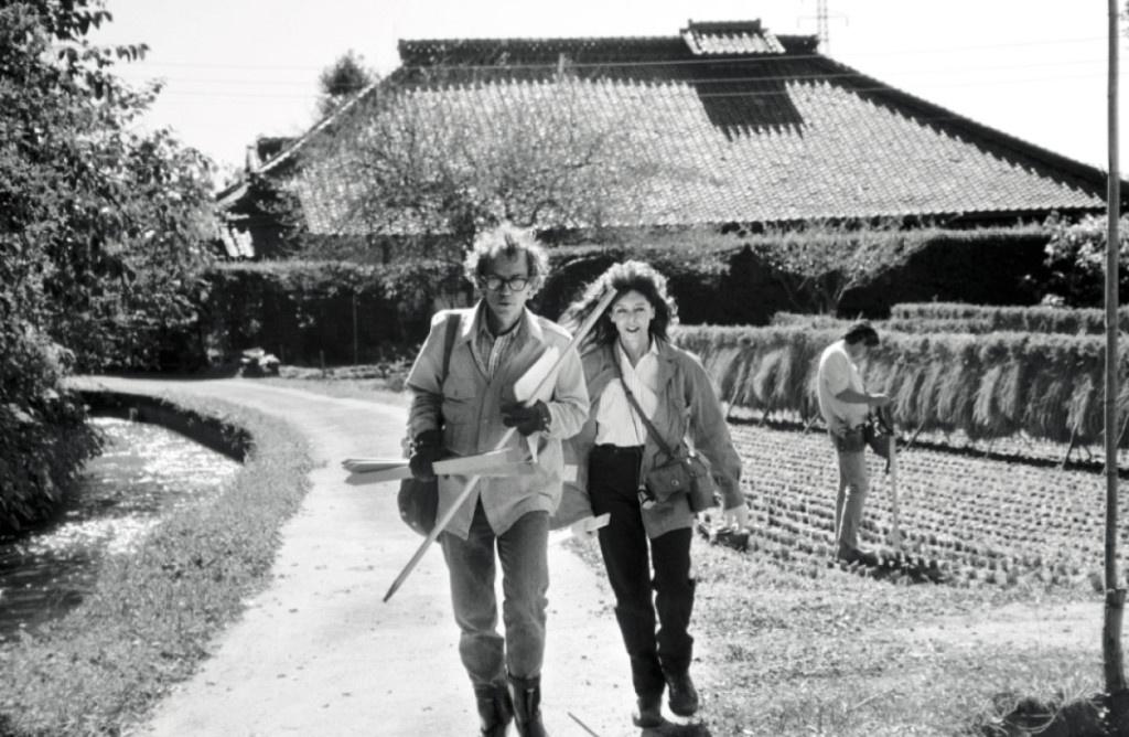 Кристо и Жанна-Клод родились в один и тот же день, 13 июня 1935 года. Они познакомились в Париже в 1