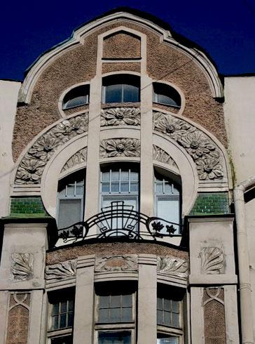Bas-reliefs on the façade of the tenement house of K. K. Keldal on Kamennoostrovsky prospect. Photo