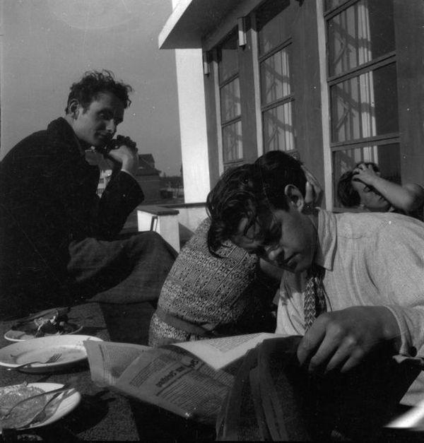 Отдых на террасе Баухауза в Дессау.Фото: Ivana Tomljenović, 1930