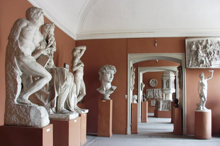 I. Repin St. Petersburg State Academic Institute ofPainting, Sculpture and Architecture today