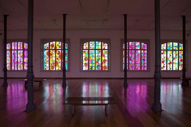 Мировой рынок современного искусства (ч.2): Восток, Эмираты, Латинская Америка хвастаются рекордами художников, которые покидают родину. Но галереи – строятся.
