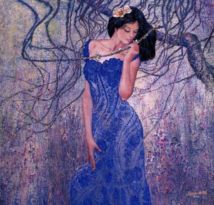 Девушка в синем платье