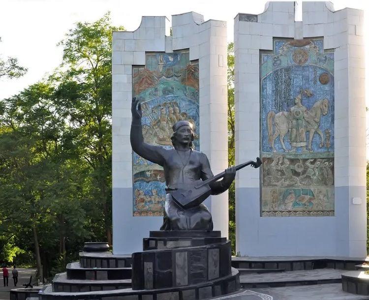 Boris Nikolayevich Chebotarev. Памятник керамика
