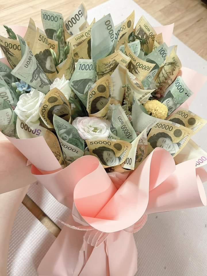 Shaw Alex. Flower Money ( Designed by Shaw ALex )
