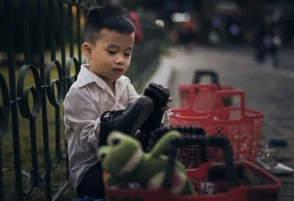 Tong Bao Yen. The poor kid