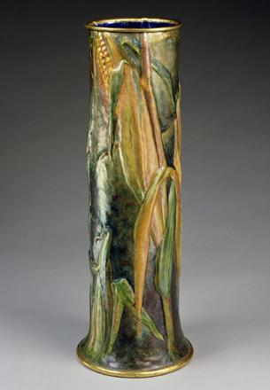 Высокая ваза