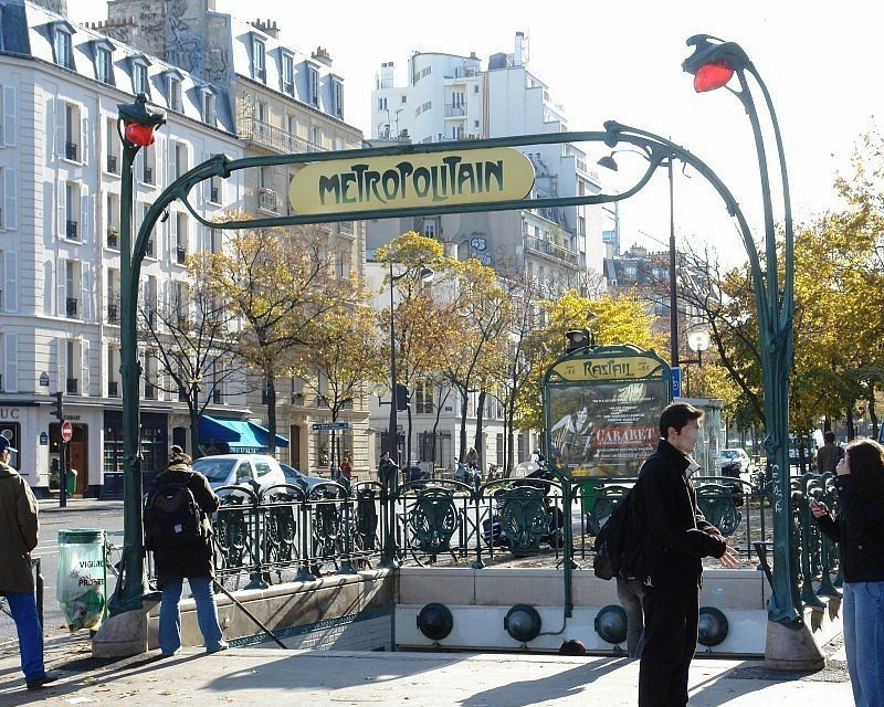 Hector Guimard. Entrance to the Raspail metro station, Paris