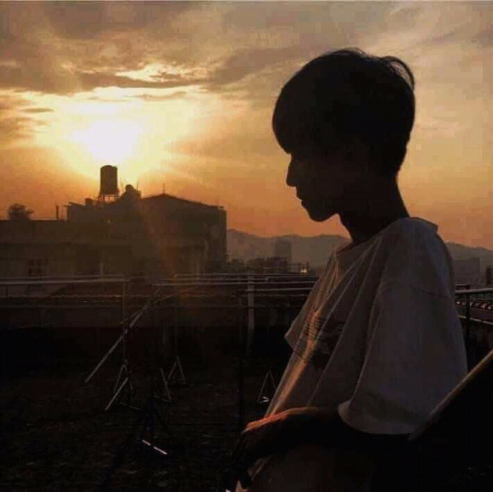 Son Nguyen Huu. Sunset and the boy