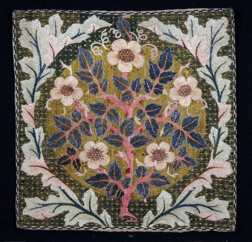 Уильям Моррис. Розовое дерево в венке