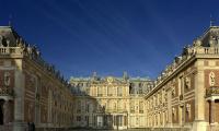Луи Лево. Версаль Мраморный двор.