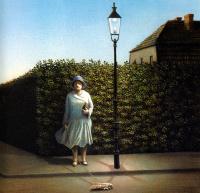Женщина с молью