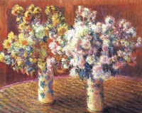 Two vases with chrysanthemums