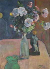 Roses et Statuette