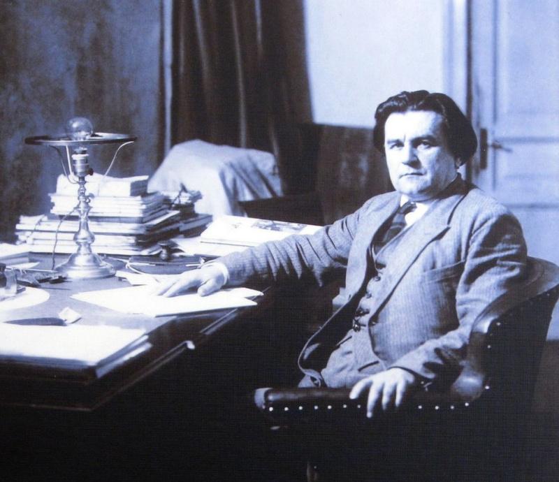 Говорит и показывает: цитаты Казимира Малевича о бездарности Репина, вреде труда, ужасах коммунизма, женских окороках и прелестях крестьянской жизни