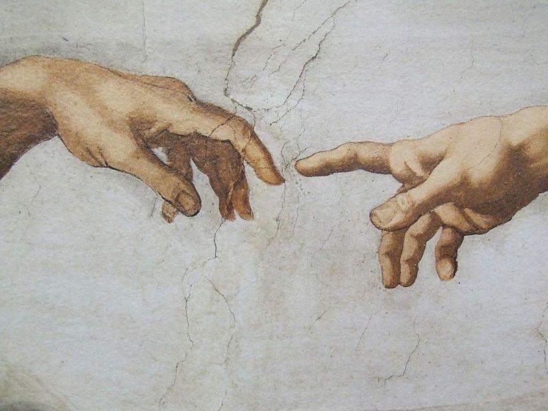 Хороший вопрос. Неужели Микеланджело полностью сам расписывал Сикстинскую капеллу? Может, были помощники?