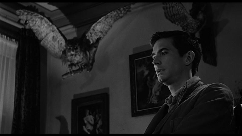 Хороший вопрос. Какие картины фигурируют в фильме Альфреда Хичкока «Психо»?