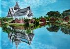 Людмила Николаевна Евтушенко. Храм на берегу озера в Тайланде