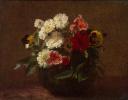 Цветы в глиняной вазе