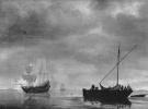 Фрегат и рыбацкая лодка в спокойном море