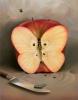Бабочка-яблоко