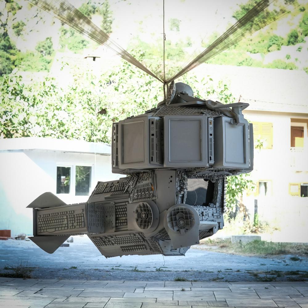 Михаил Косолапов. Flying sculpture