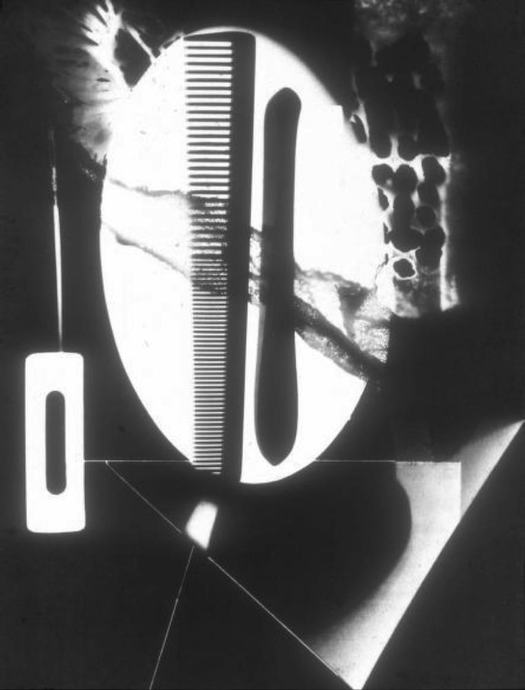 Man Ray. Rayograph