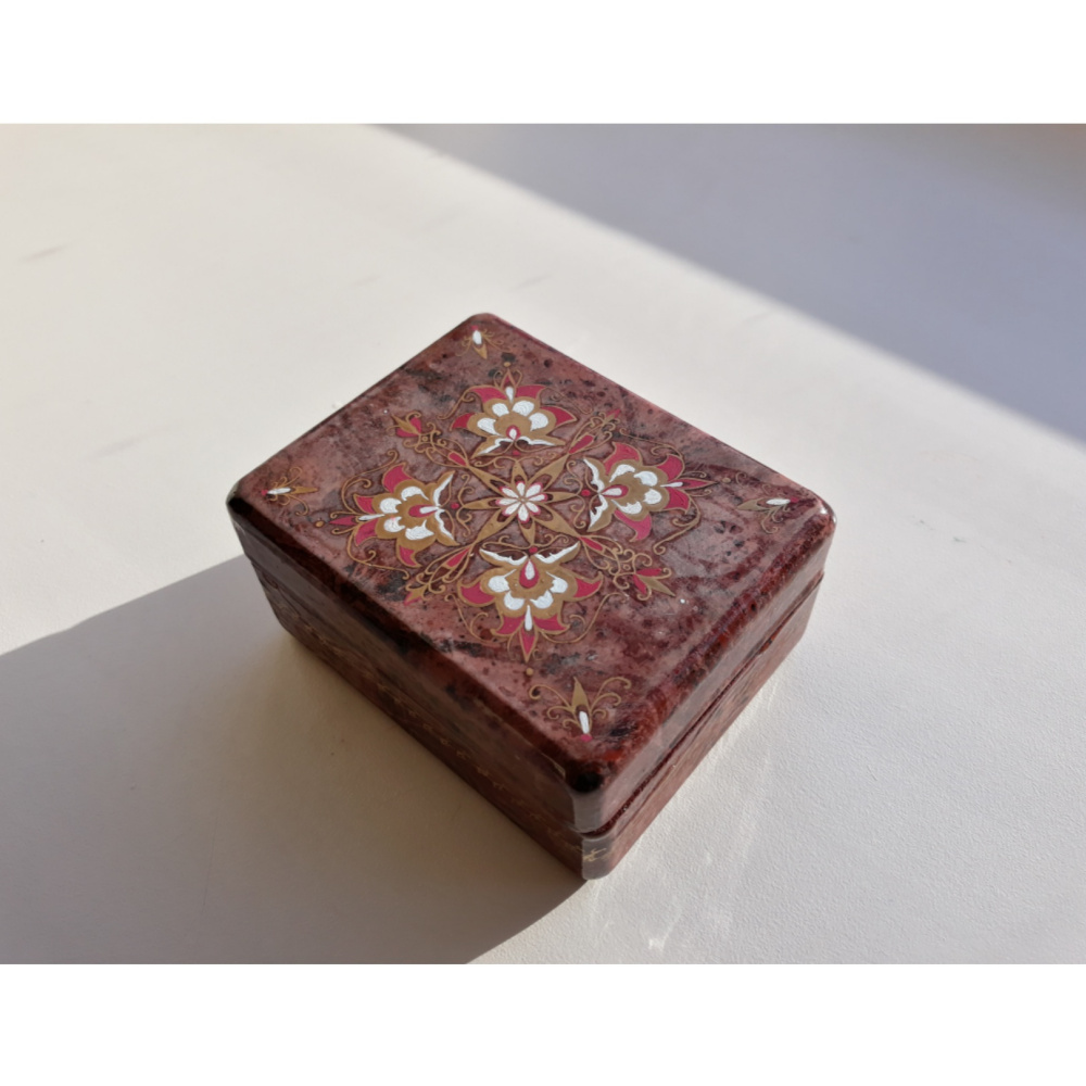 Unknown artist. Marinated box with a pattern