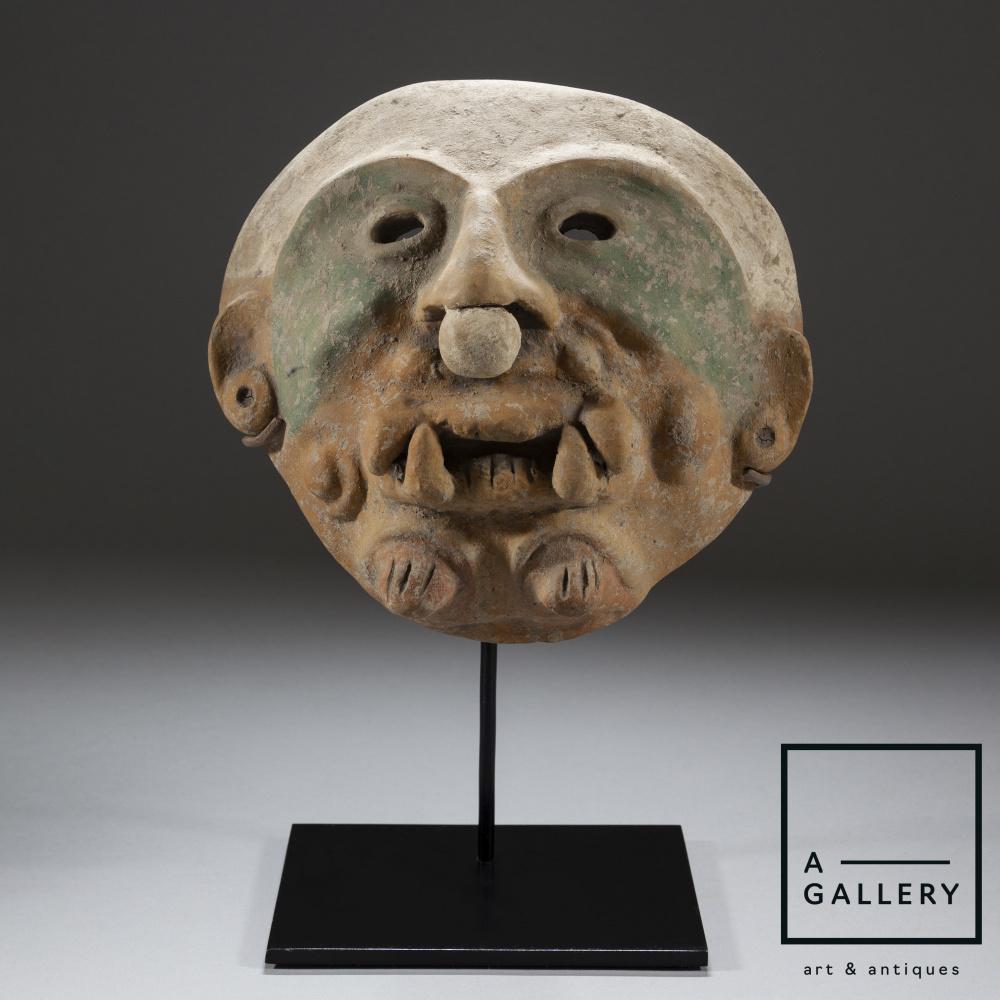 Unknown artist. Maska, Jamakoa culture, Ecuador, circa 500 AD