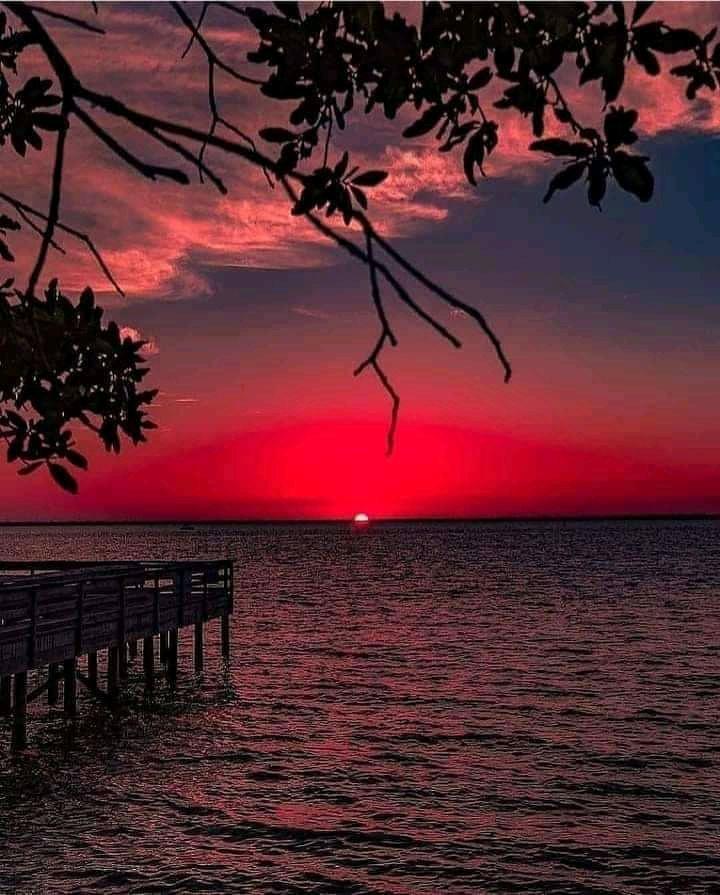 Jony Lucker. Red Sunset
