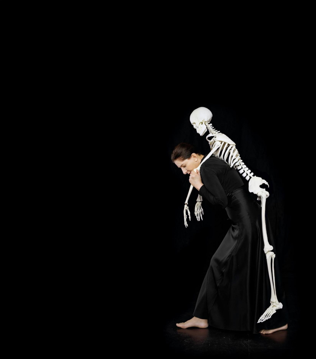 Marina Abramovich. Carrying the skeleton