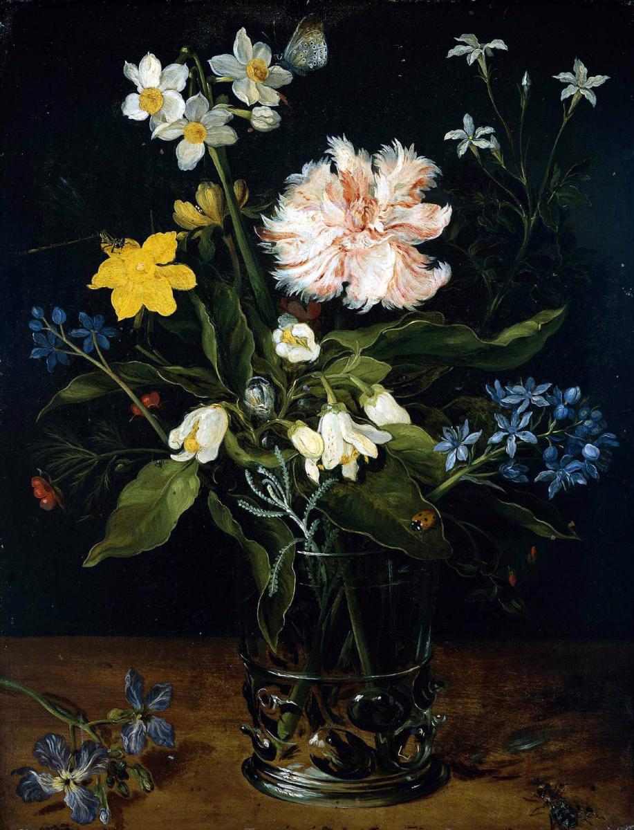 a vase of flowers descriptive essay