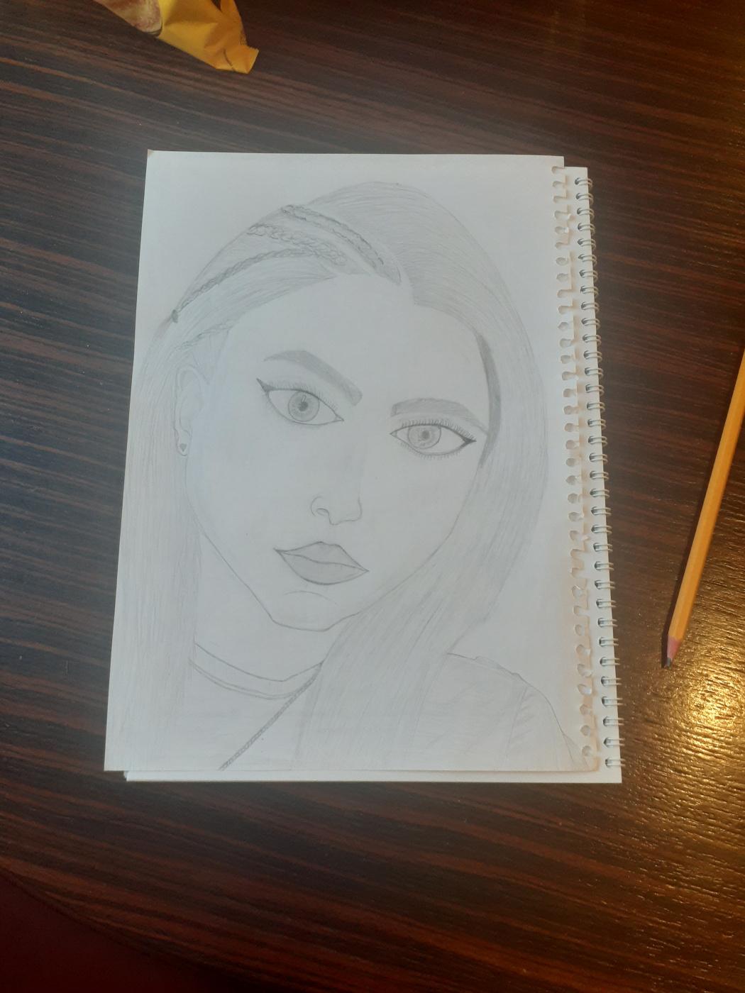 Лаура Багдасарян. Девушка