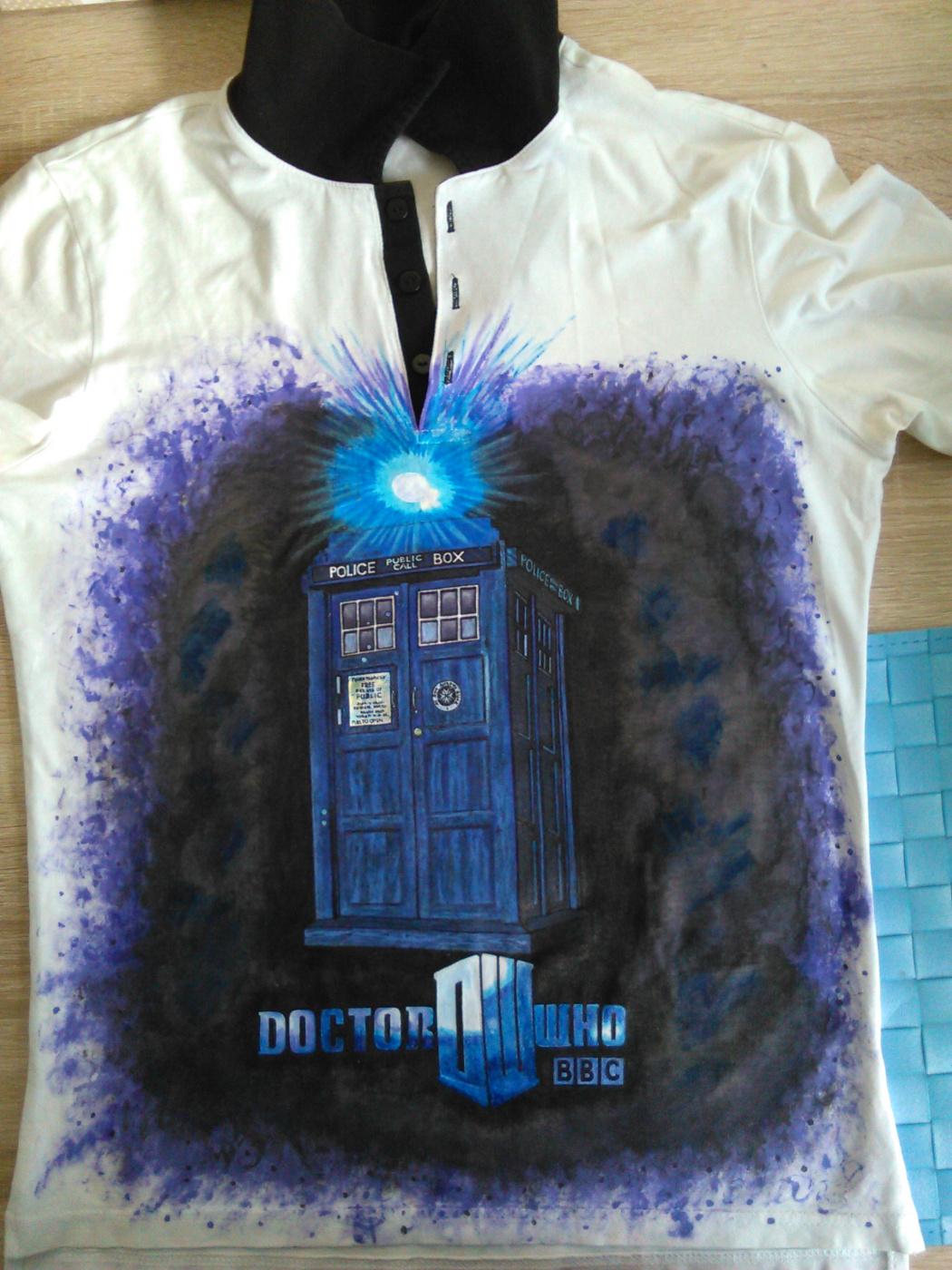 """Ирина Владимировна Хазэ. T-shirt """"Doctor Who"""" with handmade painting"""