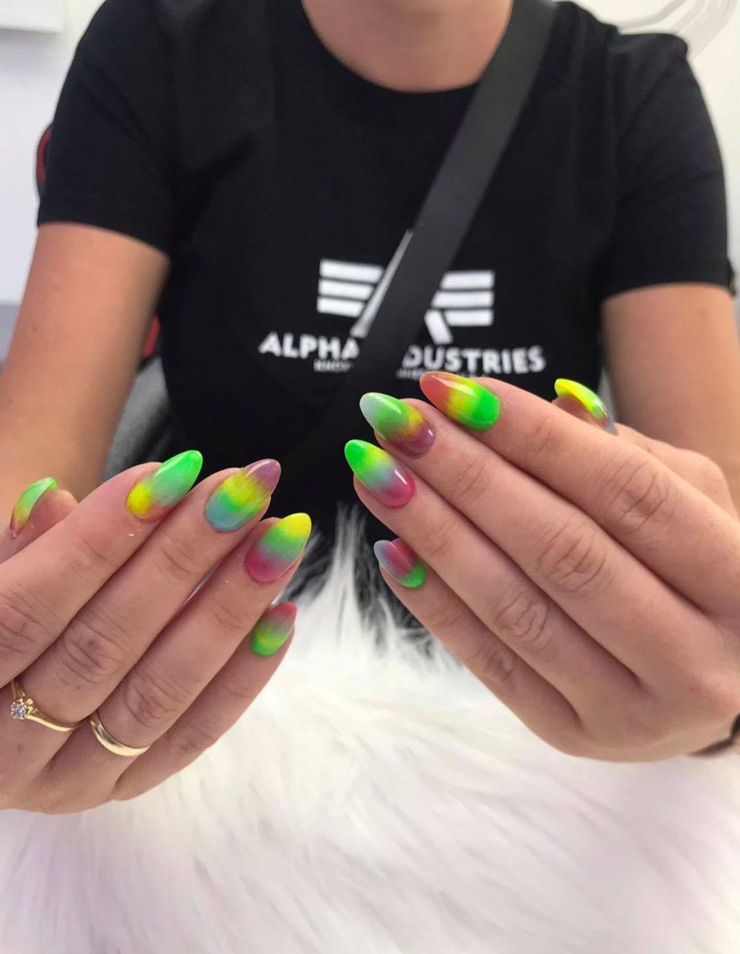 Rume Ogane. Seven color nail set