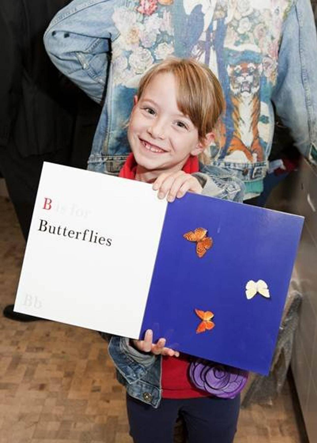 Дэмиен Херст - детям: азбука, Микки, и сердечко для малышки Бэкхем